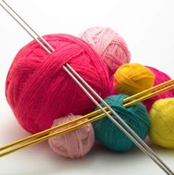 Wool Knitting : Knitting Night at the East Bay Branch Library Traverse Area District ...